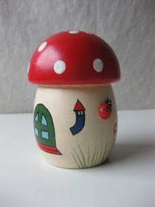 money box toadstool