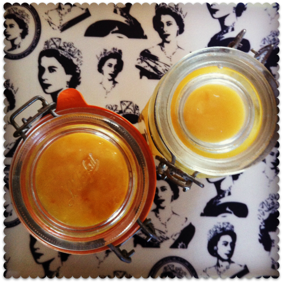 miss thrifty - slow cooker lemon curd